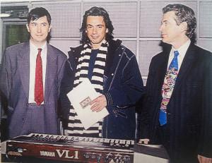 Presentación del VL-1 y VP-1 para Yamaha (a la izquierda Manager Yamaha Music France)